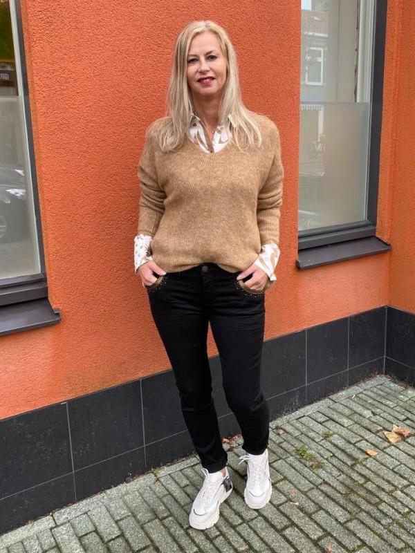 Stoer trui bruin blouse