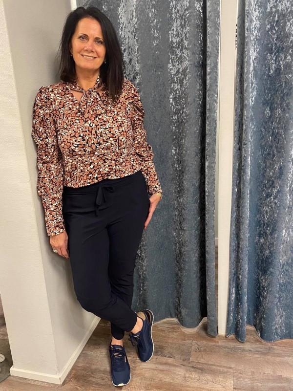 Travel bruin blouse broek