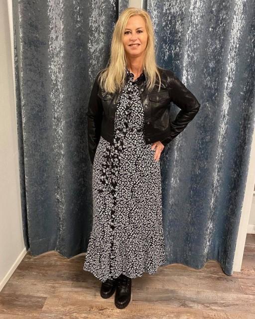 Trend alert jurk zwart bloemenprint
