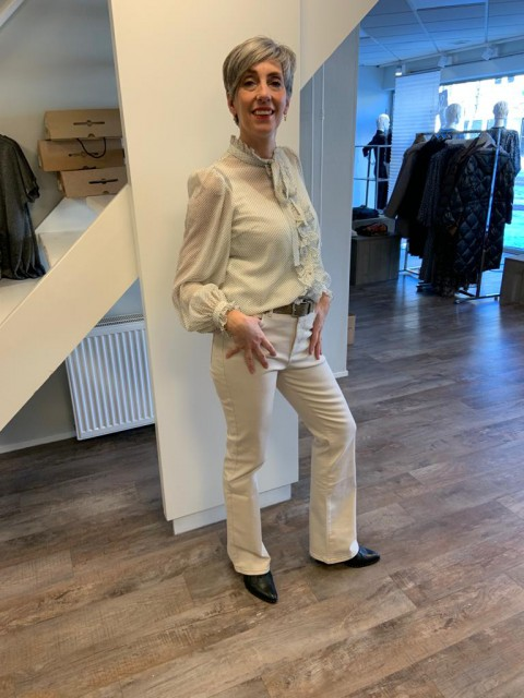 Flared pants wit voorjaar blouse wit
